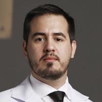 Dr. Walter Martínez